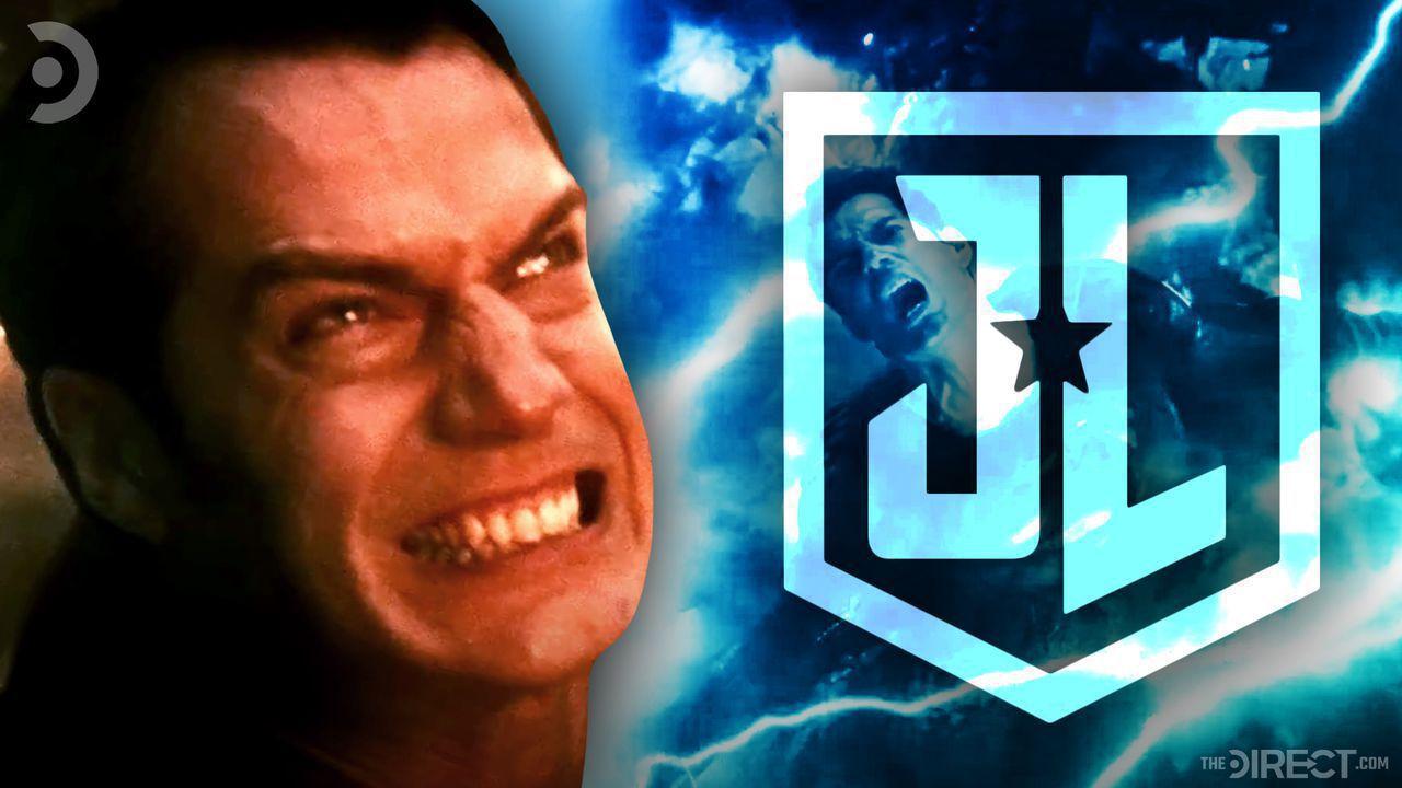 Henry Cavill as Superman, Justice League logo