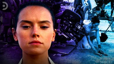 Daisy Ridley as Rey, Behind the Scenes image of Rey holding two lightsabers