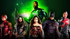 Wayne T. Carr as Green Lantern behind The Flash, Aquaman, Wonder Woman, Batman and Cyborg}