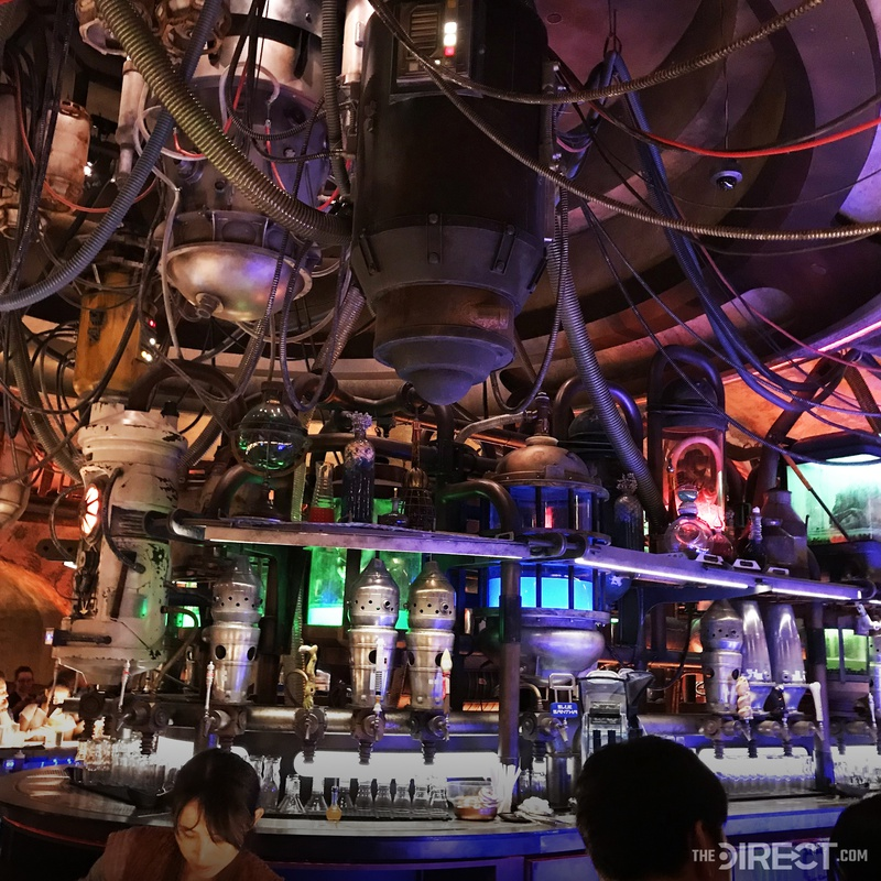 IG Droids in Oga's Cantina at Galaxy's Edge