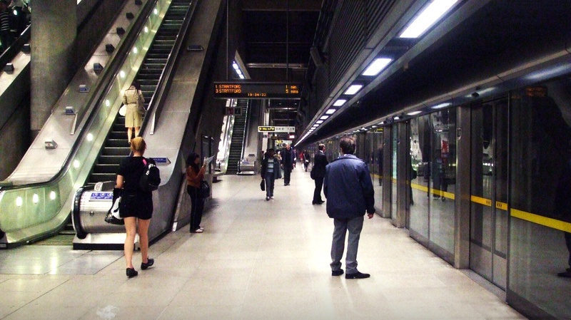 London's Canary Wharf Station