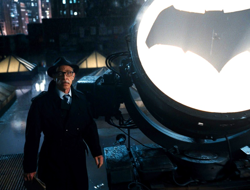 Commissioner Gordon Bat Signal Justice League
