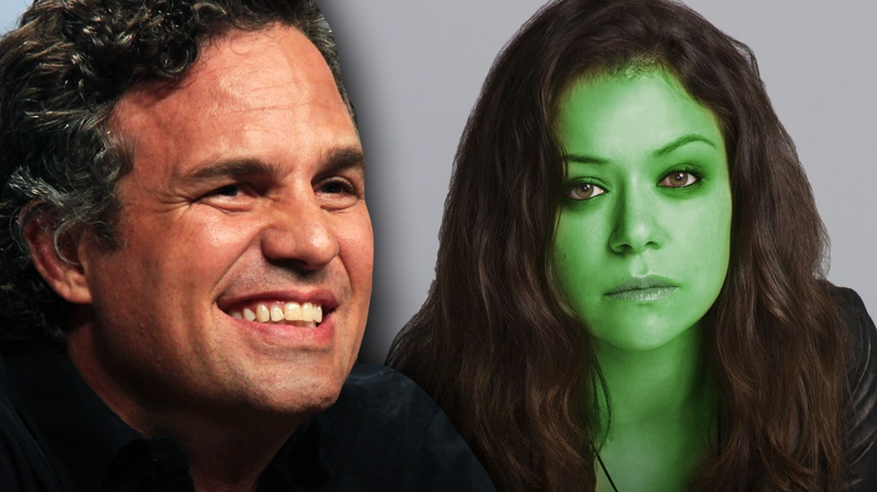 Mark Ruffalo and Tatiana Maslany as She-Hulk