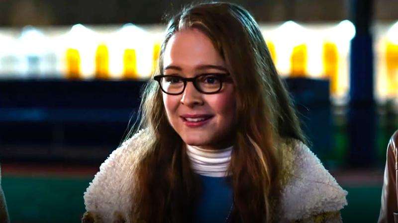 Izabela Vidovic as Kara Danvers